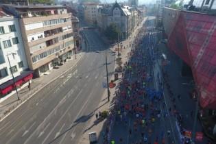 Pogledajte sarajevski polumaraton snimljen iz zraka: Znamenitosti grada u sportskom okruženju